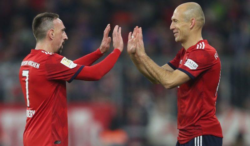 Ostatni piłkarski Schuhplattler duetu Robbéry