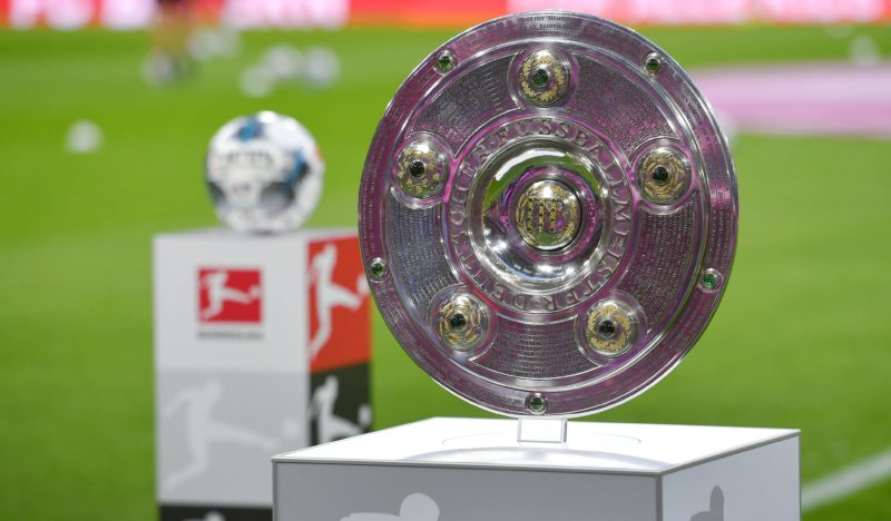 """Francja pierwsza wywiesza """"białą flagę"""", Polska i Niemcy walczą – świat futbolu podzielony wobec powrotu rozgrywek ligowych"""